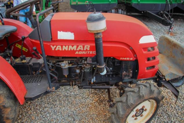 LOTE 17 - YANMAR 1145 SE 4X4 - ANO 2011