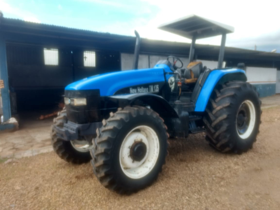 LOTE 04 - NEW HOLLAND TM 135 - ANO 2002