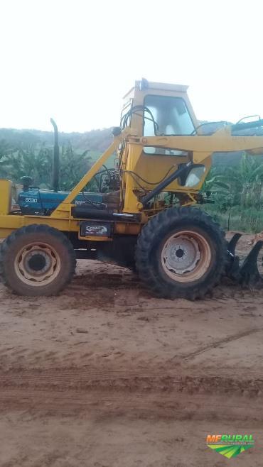 Carregadeira de cana com implemento Motocana Ford 6630 4x4.