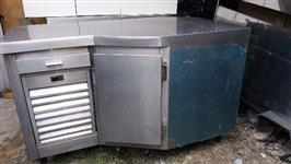 Freezer inox e máquina de sorvete expresso