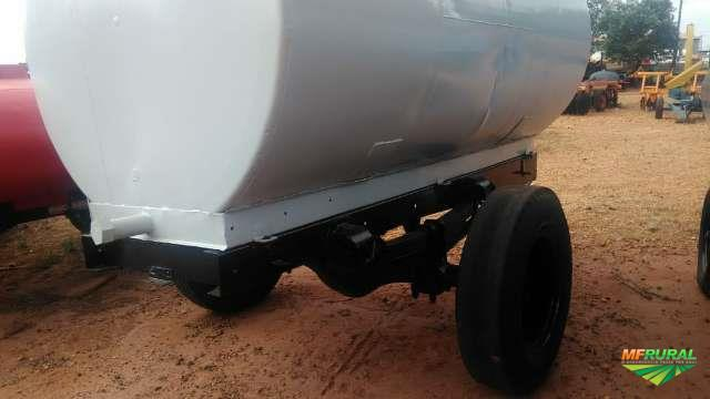 Carreta tanque de 7.000 litros
