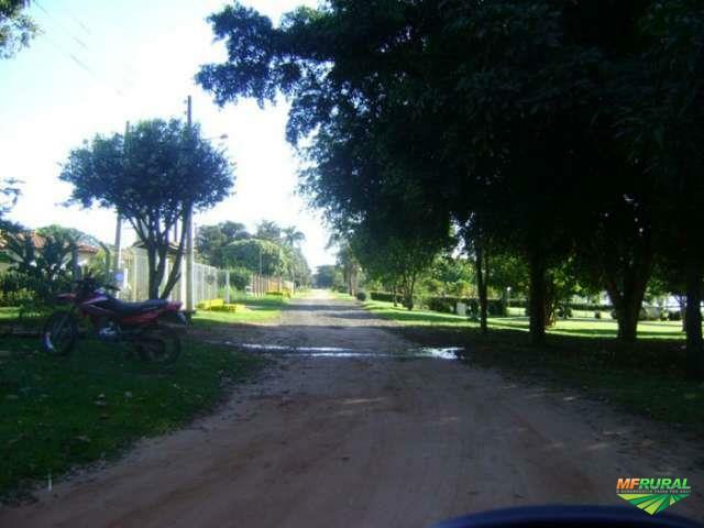 Rancho em Novo Horizonte/SP - Tietê - Cond. Lago das Garças