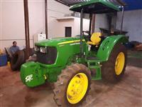 Trator John Deere 5055 4x4 ano 15