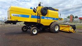COLHEITADEIRA NEW HOLLAND TC 5070, ANO 10