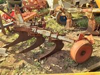 Subsolador pesado 5 hastes não  controle p/ trator agrícola massey ford John Deere