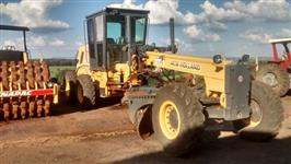 Motoniveladora New Holland