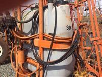 Vendo pulverizador agrícola Jacto Condor com capacidade para 800 litros automática revisado