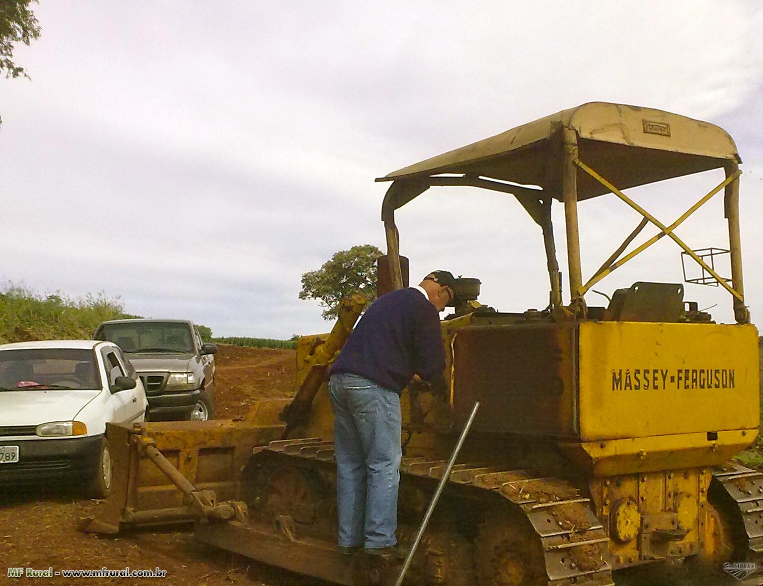 Trator de Esteira Massey Fergusson MF 400