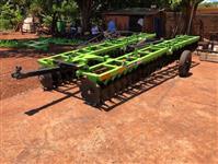 Grade Niveladora Piccim 60x22 com pistao abertura e pneus transportes