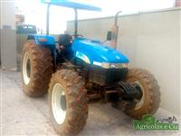 Trator New Holland TT 4030 4x4 ano 12