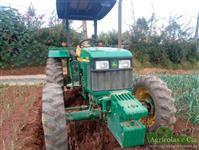 Trator John Deere 5303 4x4 ano 11