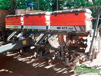 Plantadeira Massey Ferguson MF 411 (9 Linhas de 50 - Pivotada!)