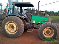 Trator Valtra/Valmet 900 4x4 ano 01