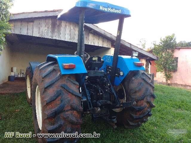 Trator New Holland 4x4 ano 12