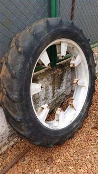 Conjunto de pneus