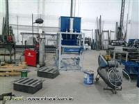 Máquina de fabricar blocos de concreto SEMI PNEUMÁTICA