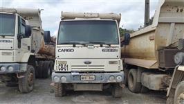 Caminhão Ford C 6332e 6x4 ano 09