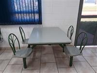 Mesas para Refeitório com Encosto - #3444