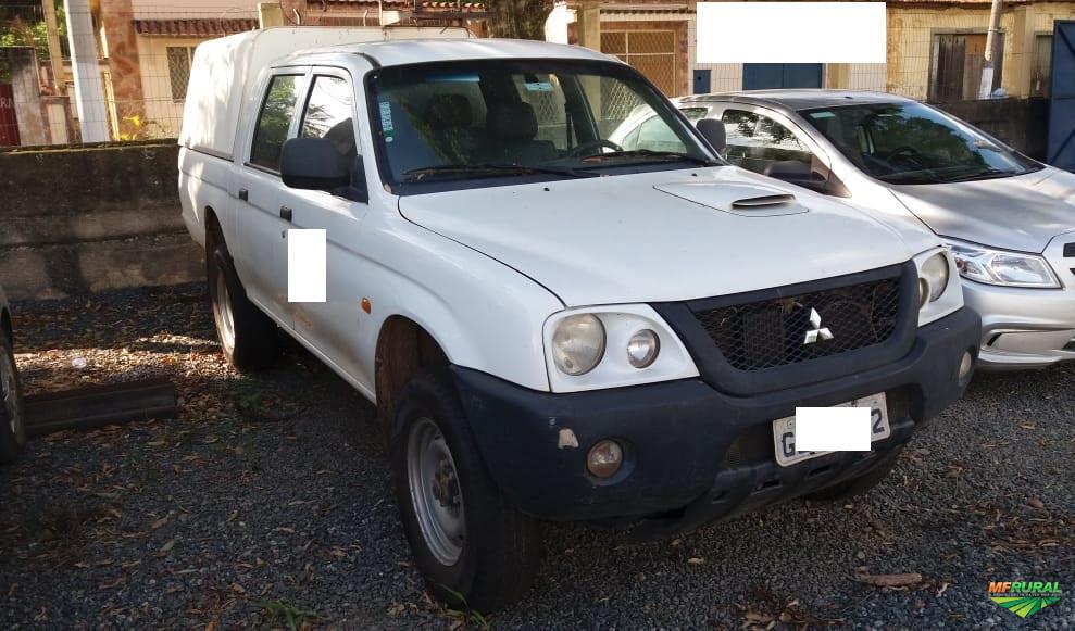 Caminhonete Mitsubishi L200 GL 4x4 2011/2012 - #3475