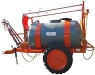 Pulverizador xp 2000 litros unicamente nas Pastagens meio pecuário