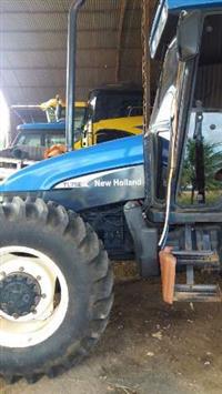 Trator New Holland TL 75 E 4x4 ano 03