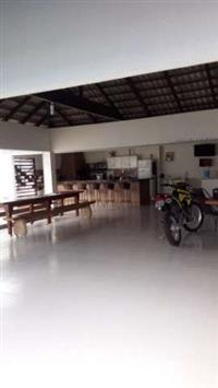VENDE SE CASA COM 320 m2 LOTE COM 800 m2