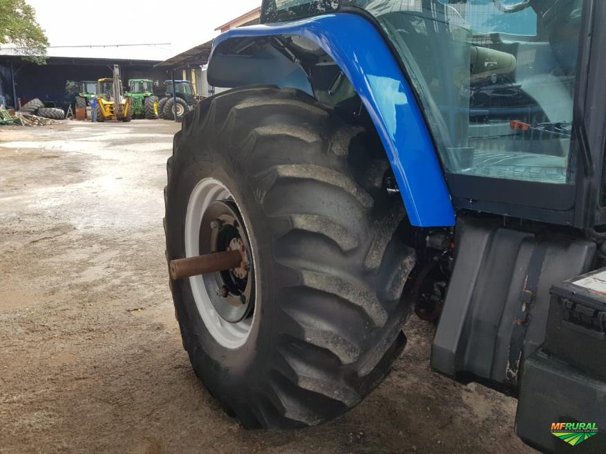 Trator New Holland T 7040 4x4 ano 10