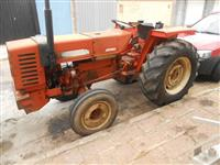 Trator Agrale 4300 4x2 ano 86