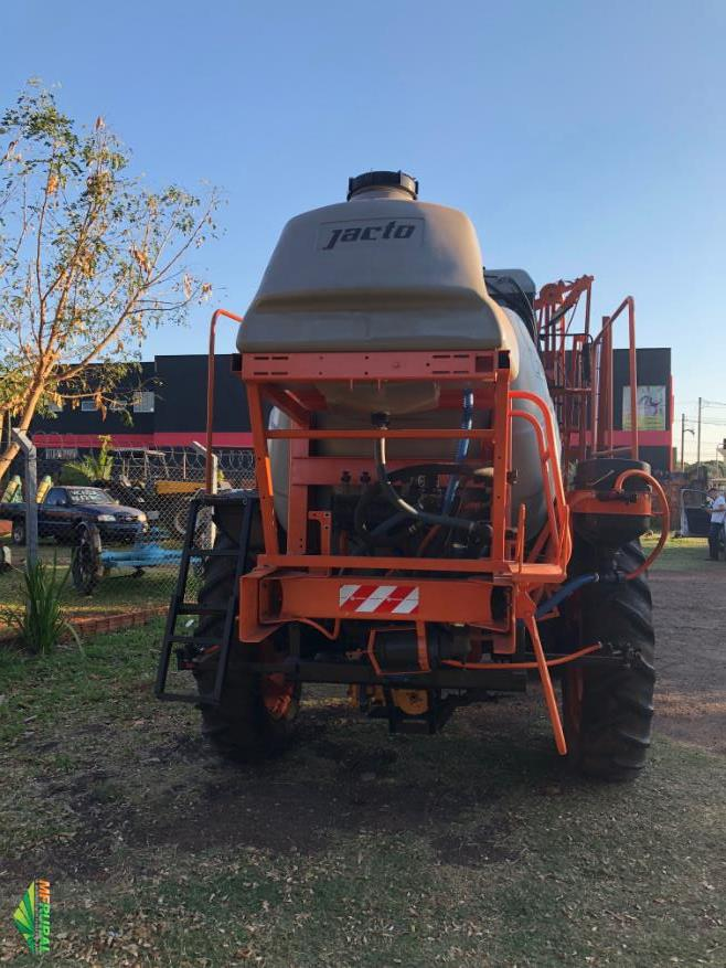 Pulverizador Jacto 3000 litros