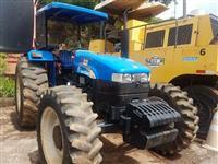 Trator New Holland TT 4030 4x4 ano 12
