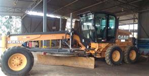 MOTONIVELADORA CASE 845B SEMINOVA, COM APENAS 6800 HORAS, ANO 2012, DE ÚNICO DONO, CABINE FECHADA CO