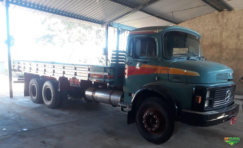 Caminhão Mercedes Benz (MB) LK1118 ano 89