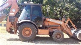 RETROESCAVADEIRA CASE 580N 4X4 ANO 2012, COM CABINE FECHADA E AR CONDICIONADO, 6500 HORAS TRABALHADA
