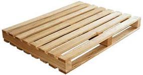 Paletes usados de madeiras