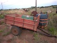 Carreta 2 rodas para trator, 1,5 T. Muito conservada, pronta pra trabalhar