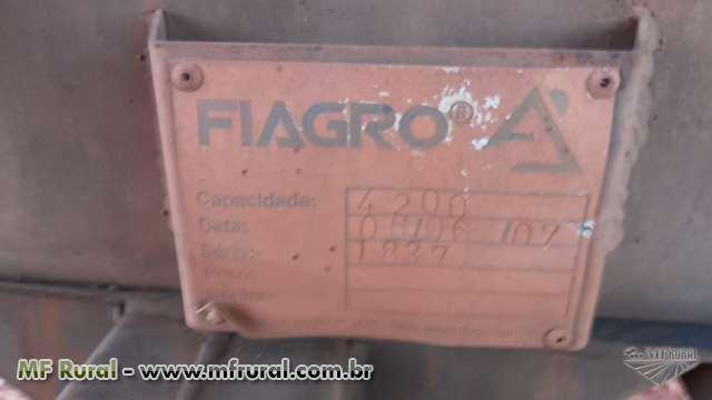 TANQUE DE ÁGUA COM BOMBA OU MOTOR ACTON CAPACIDADE 4,200 LTS ANO 2007, 4 RODAS