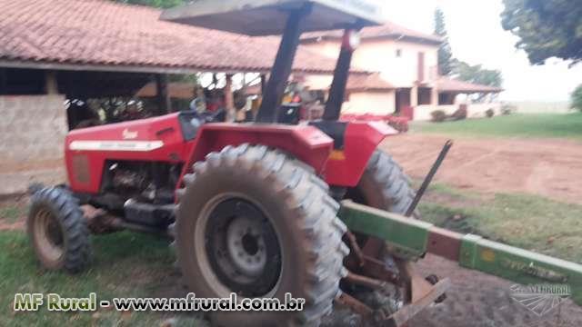 Trator Massey Ferguson 275 4x4 ano 03