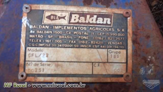 GRADE AGRÍCOLA HIDRÁULICA BALBAN 22 DISCOS ESPAÇAMENTO 16