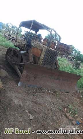 Trator de Esteira AD7B FIAT 4x4 ano 83