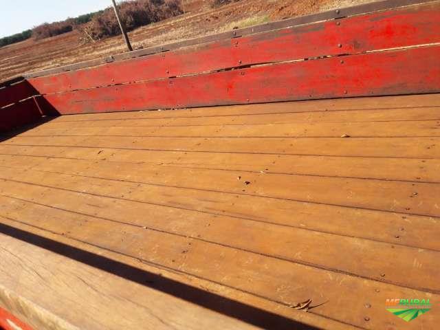 CARRETA AGRÍCOLA CAPACIDADE 6 TONELADAS ANO 2010 C/ 4 RODAS.