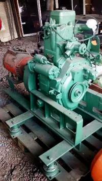 Motor Diesel  usados ( um para barco)