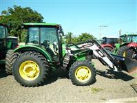 Trator John Deere 5090 4x2 ano 17