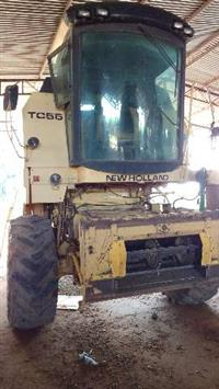 COLHEITADERA NEW HOLLAND TC 55 ANO 2000