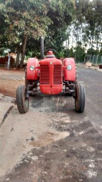 Trator Outros Agrale 4x2 ano 60