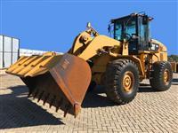 PÁ CAT 938H ANO 2012 COM 14.900 HORAS !!