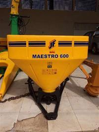 Distribuidores de Fertilizantes, Calcário e Semeadeira JF MAESTRO 600