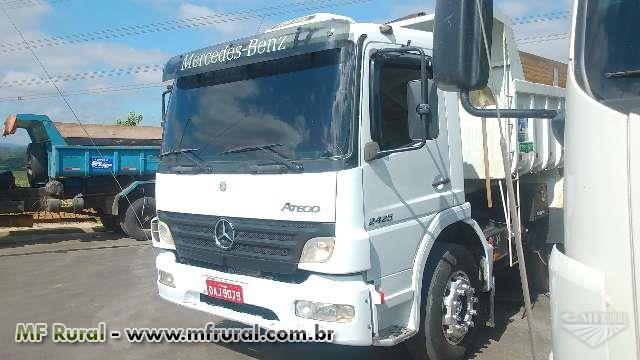 Caminhão  Mercedes Benz (MB) 2425 6x2  ano 09