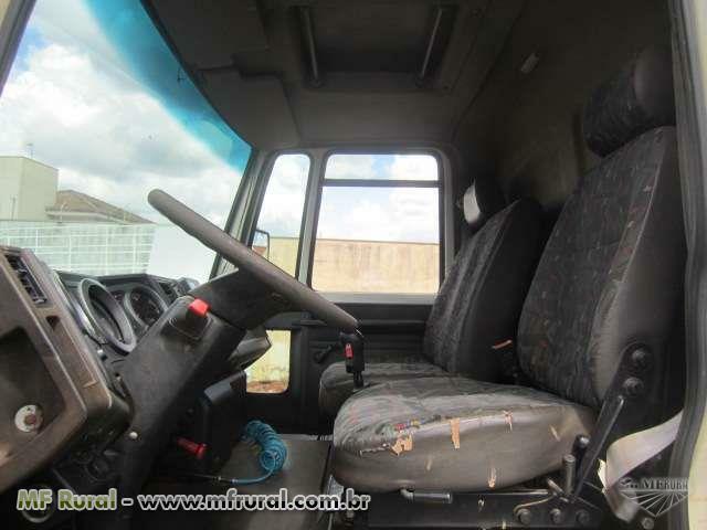 Caminhão Ford C 1717e ano 11
