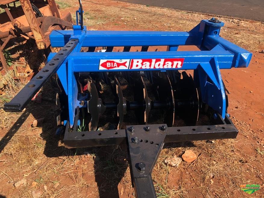 Grade aradora de 14 discos marca Baldan