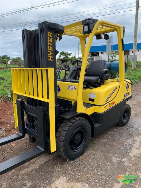 Empilhadeira Hyster H50FT, ano 2014.